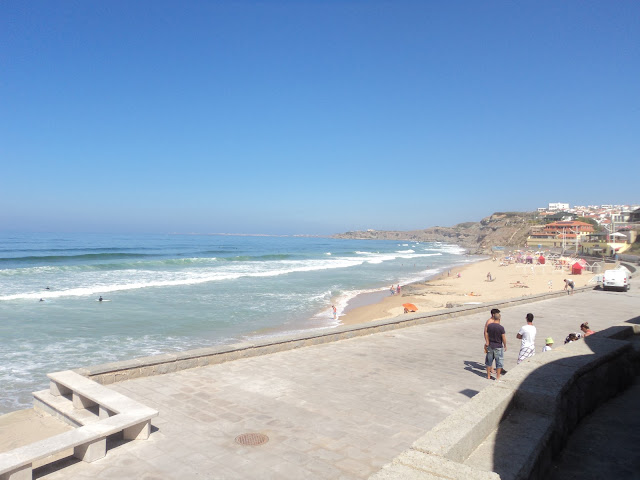 Beach-side cafés
