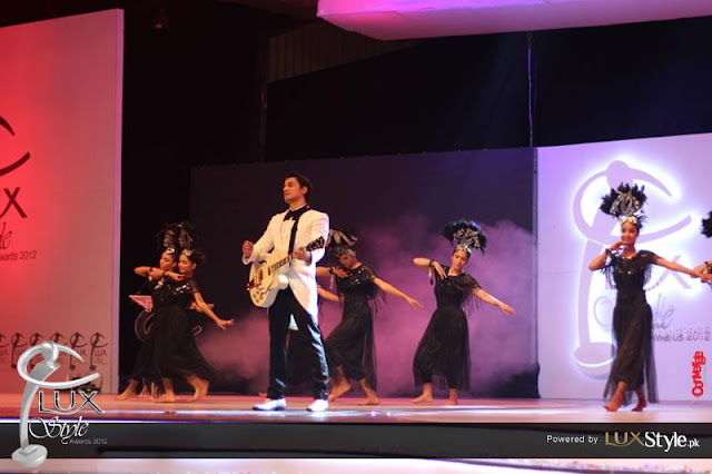 ali zafar performancing at lux style awards