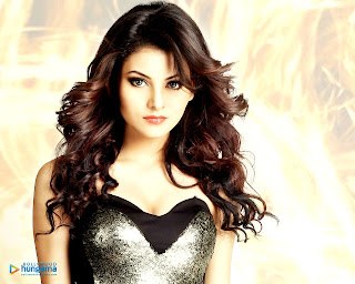 Urvashi Rautela HD Wallpapers Download Now