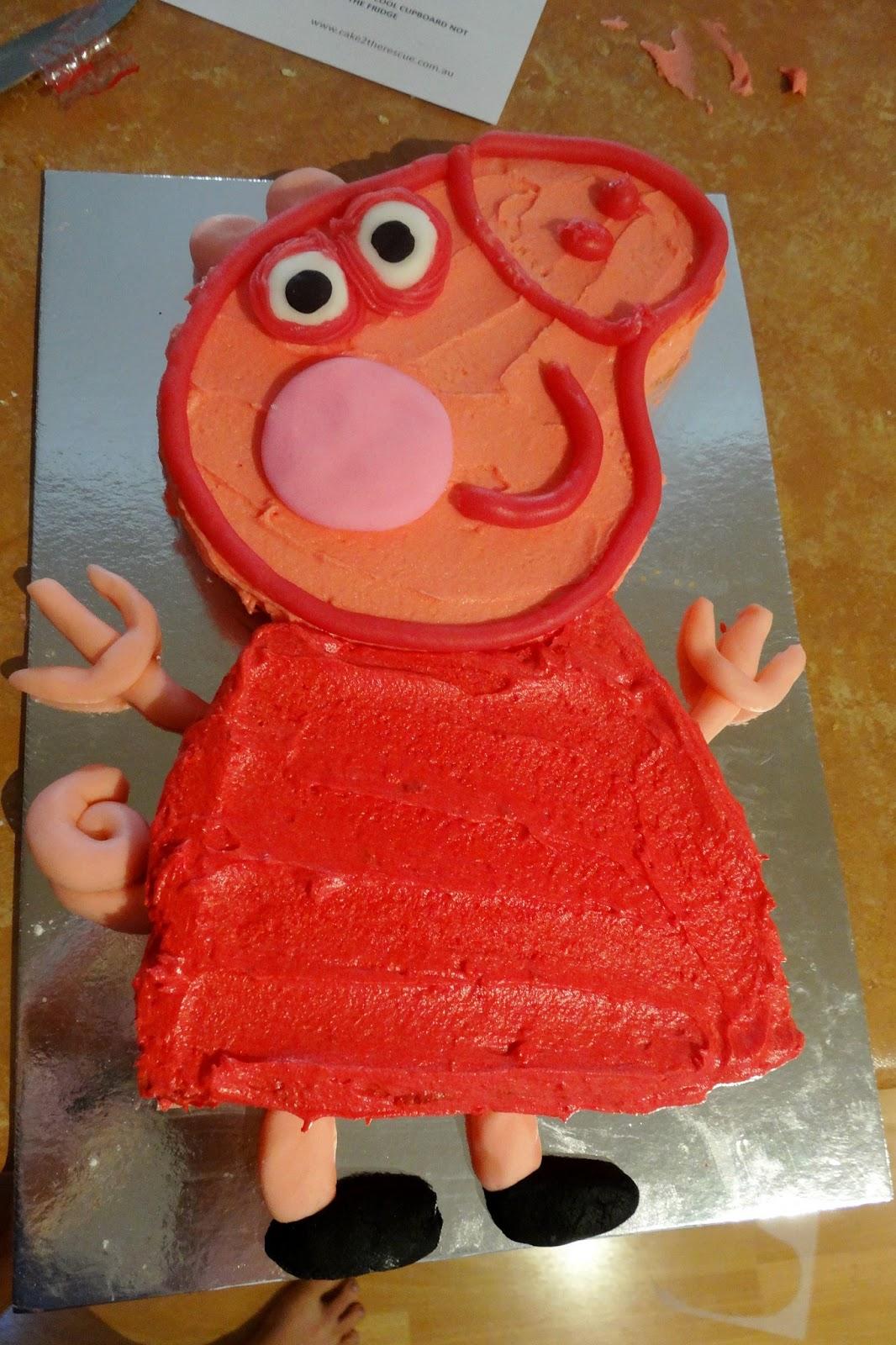 How Can I Make A Peppa Pig Birthday Cake
