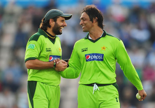 Shahid Afridi needs to be sent off with dignity