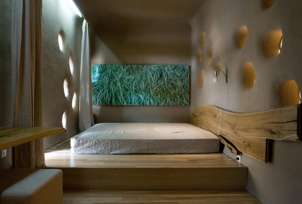 Loveisspeed friend house eco hotel by ryntovt for Hotel design studio