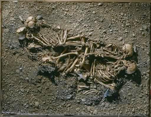 http://elvisitantemaligno.blogspot.com/2014/03/cuento-restos-humanos-tomado-de-libros.html