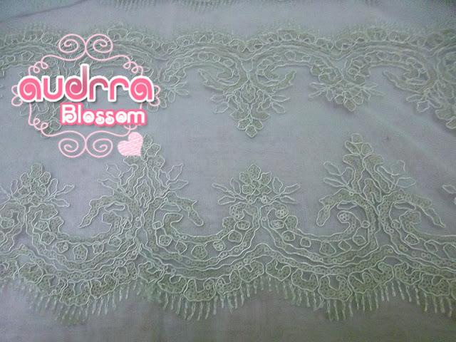 Border Lace cantik warna krim RM 19 semeter.