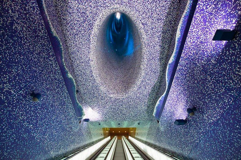 Estaciones de metro en Nápoles convertido en preciosas galerías de arte