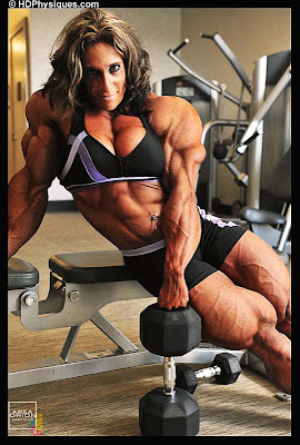 Gail Auerbach female muscle morph