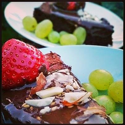 Vihreä, mutta ruskea suklaakakku