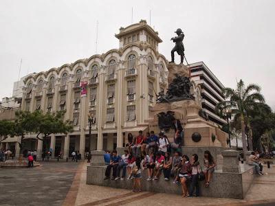 Estatua a Sucre