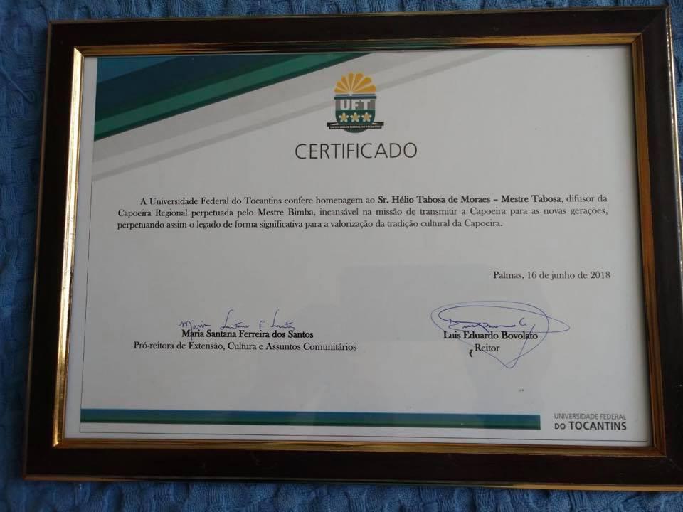 Homenagem - Mestre Tabosa recebeu certificado de dedicação à Capoeira Regional