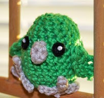 http://web.archive.org/web/20130629004755/http://www.toinenkerros.fi/index.php/en/blogi/28-crocheted-pacific-parrotlet
