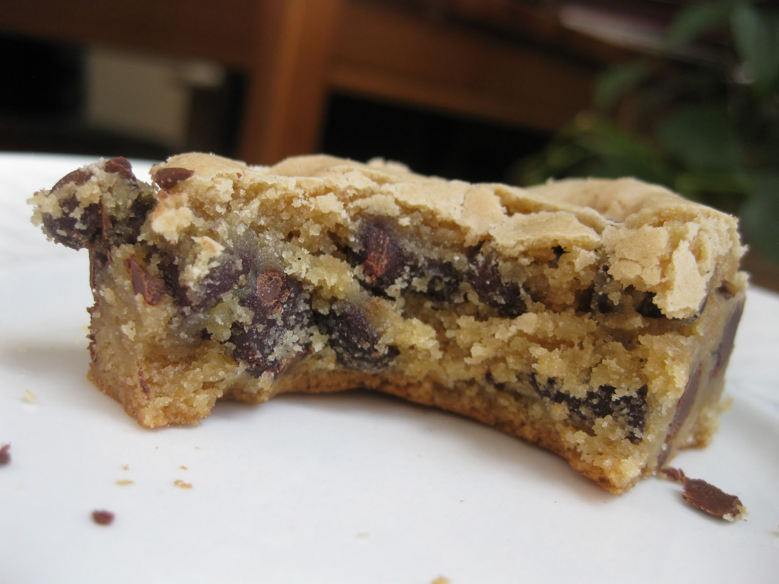 Sunday Treats: Chewy Chocolate Chip Cookie Bars
