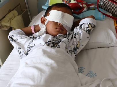 Menino chinês tem os olhos arrancados para tráfico de órgãos Cliques Diversos