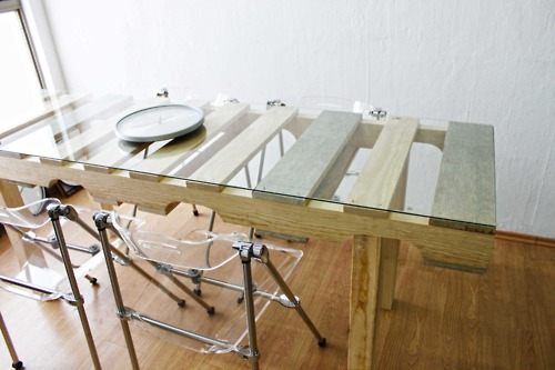 Mesa de jantar de palete de madeira reciclado