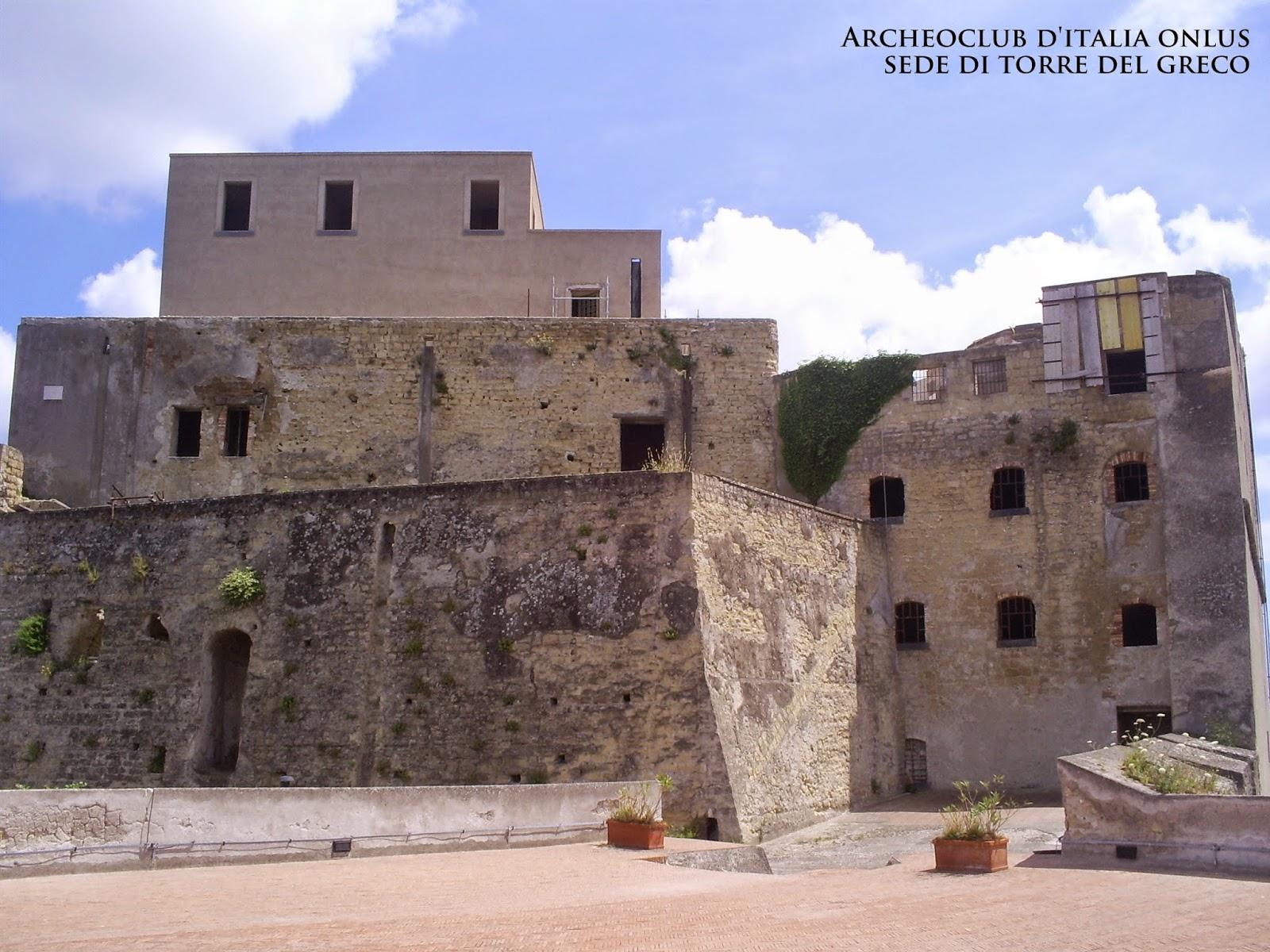 Archeoclub italia onlus torre del greco maggio 2015 - Piscina torre del greco ...