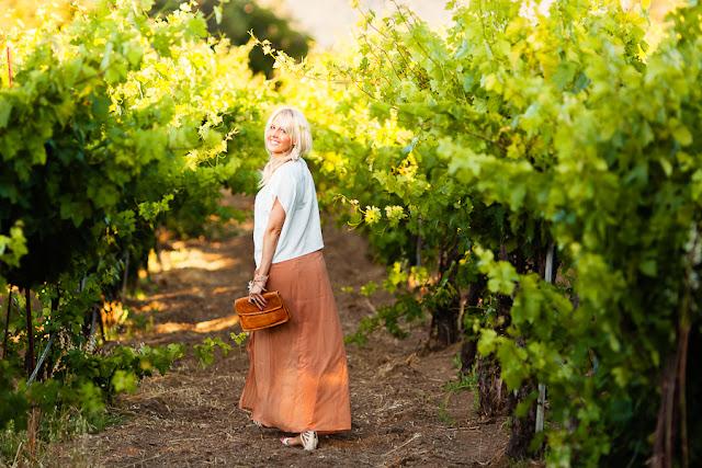 Savvy+Spice+fashion+blog,+What+to+Wear+Winetasting,+maxi+skirts,+Dale+Steliga
