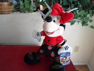 Gambar Boneka Minnie Mouse Lucu dan Imut 11