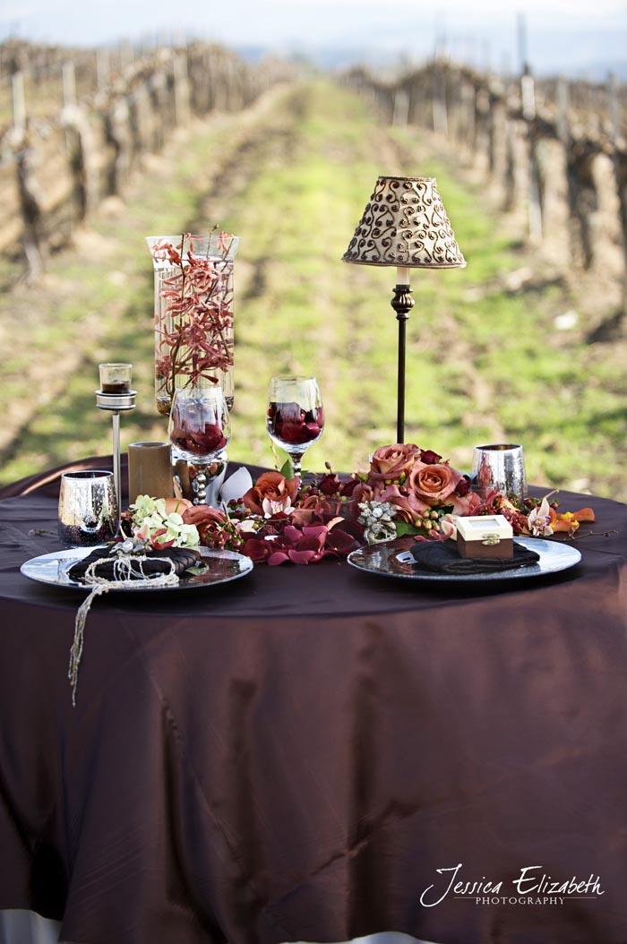 arreglo de mesa en viñedo rustico boda -country tablescape