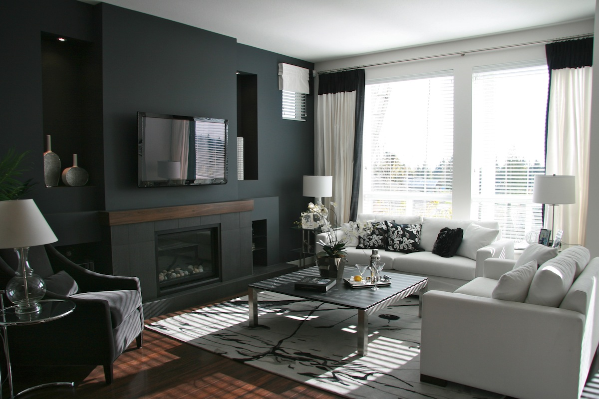 So canadian eh heidi nyline from warline paint for Dark walls white furniture