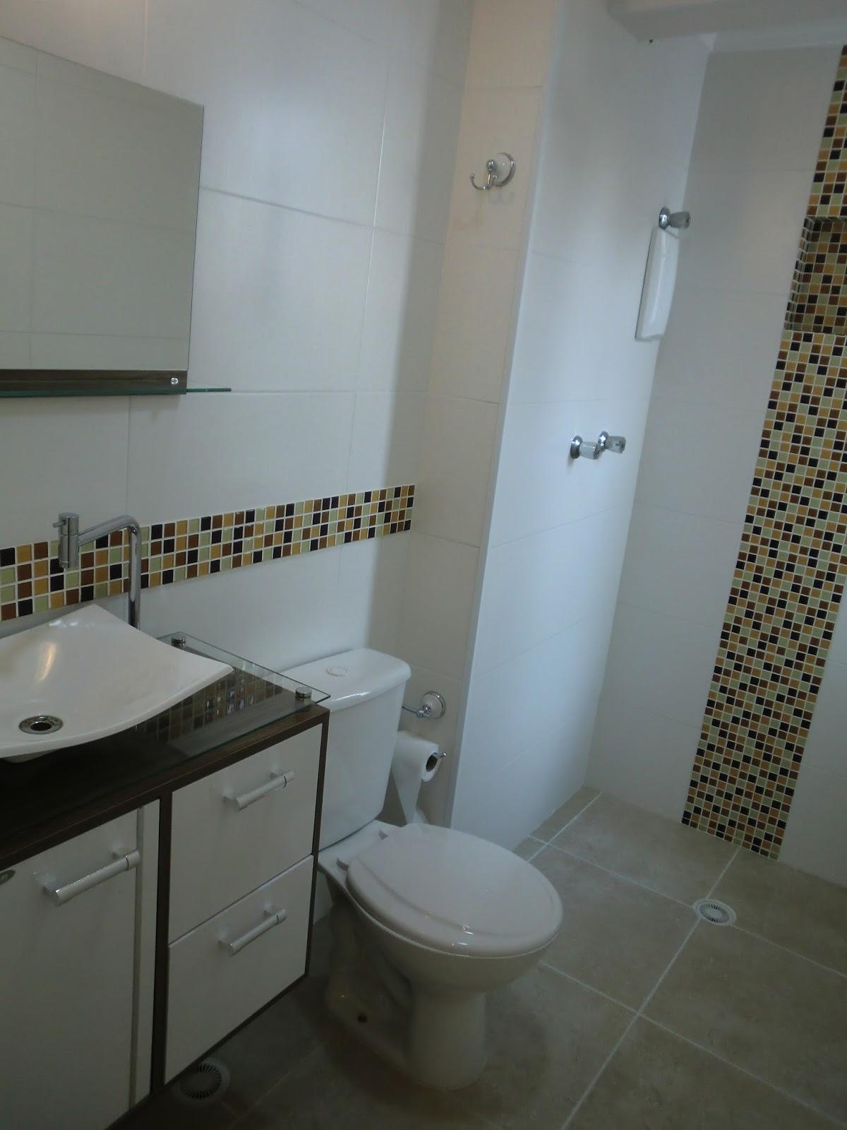 Reforma do Apartamento Banheiro Antes e Depois Com Custos  #5B4E34 1200x1600 Banheiro Com Acabamento Com Pastilhas