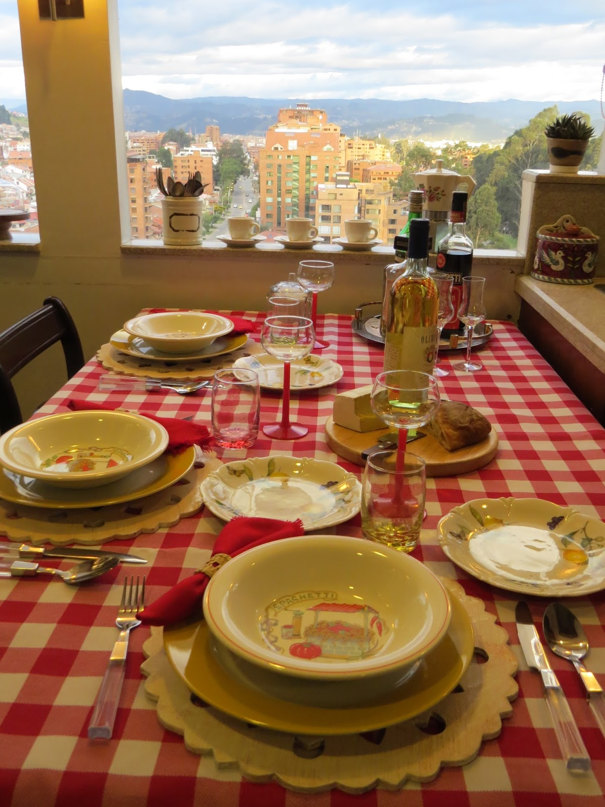 Fabby 39 s living fabby italian dinner in the kitchen part 2 for Italian dinner