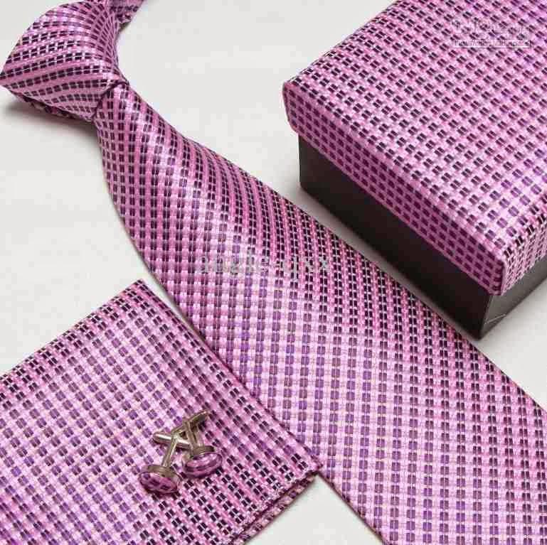 A 150-foot necktie