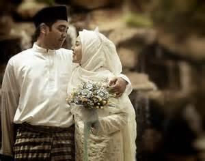 Ini 10 Alasan Mengapa Istri BERHAK Dibahagiakan dan Suami WAJIB Membahagiakan