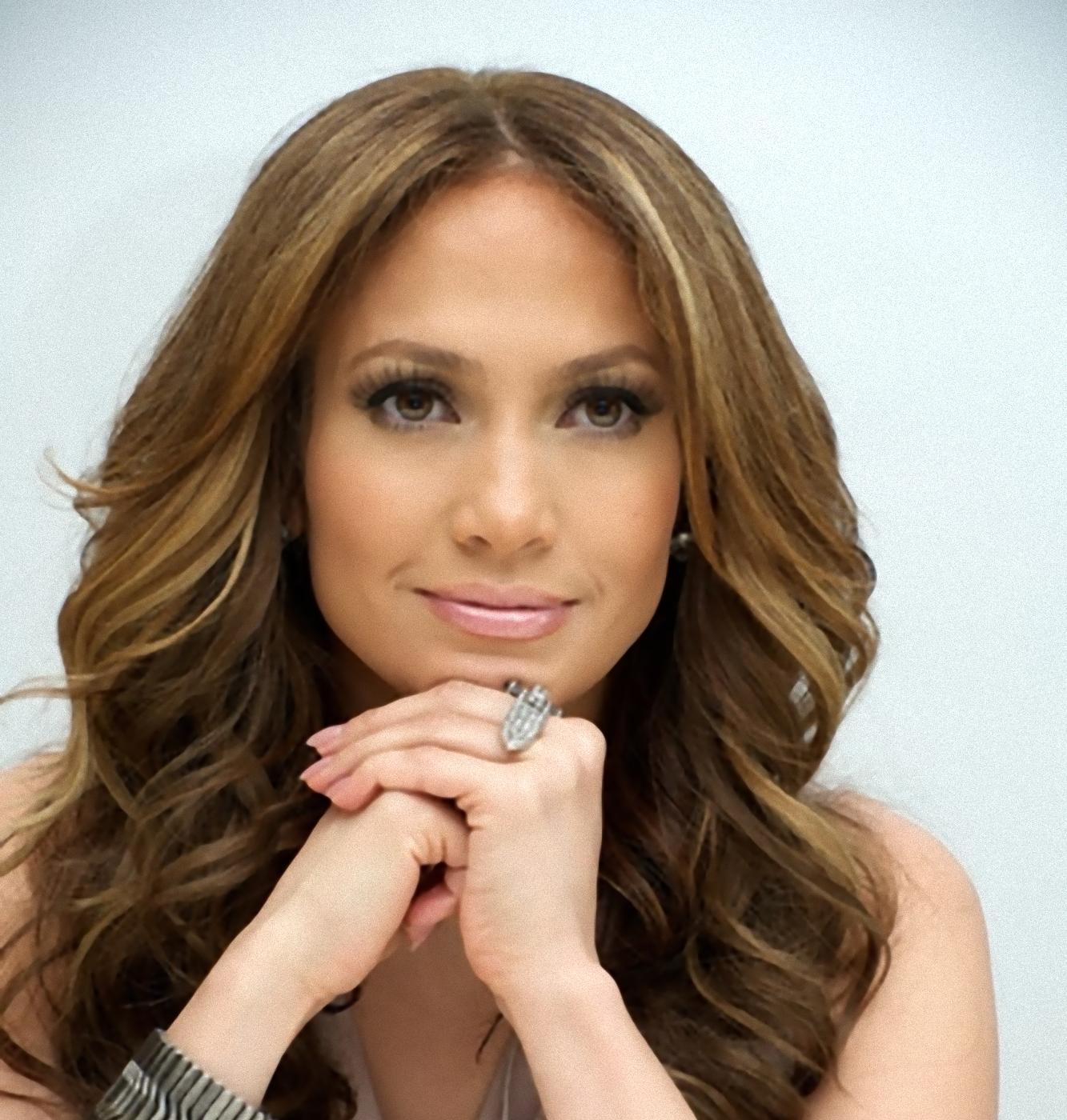 http://2.bp.blogspot.com/-SAGRAG-wBqU/T_w0ckapBfI/AAAAAAAADmk/sMPWH29Iqos/s1600/Jennifer-+L%C3%B3pez+-planea+-una-+serie+-sobre-+lesbianas.jpg