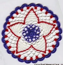 http://translate.googleusercontent.com/translate_c?depth=1&hl=es&prev=/search%3Fq%3Dhttp://crochetmemories.blogspot.com.es/search/label/Free%252520Patterns%26safe%3Doff%26biw%3D1429%26bih%3D961&rurl=translate.google.es&sl=en&u=http://crochetmemories.blogspot.com.es/2014/05/petite-independence-day-doily.html&usg=ALkJrhhZCSaTsVpWzcnYmMb7koSvTpIRug#more
