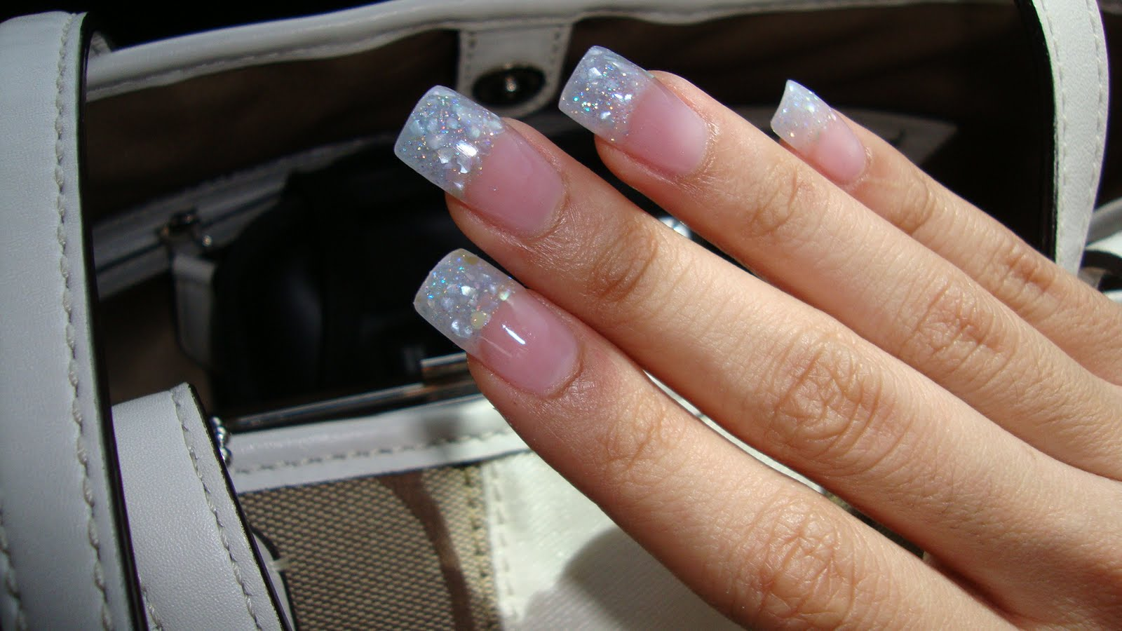 Attractive French Tip Gel Nail Crest