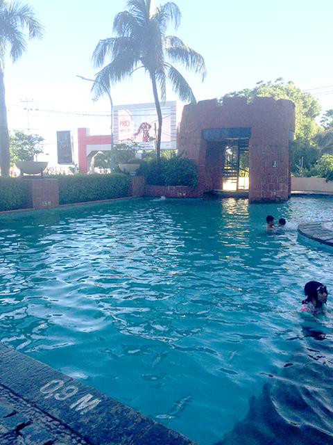 kolam renang arya duta makassar
