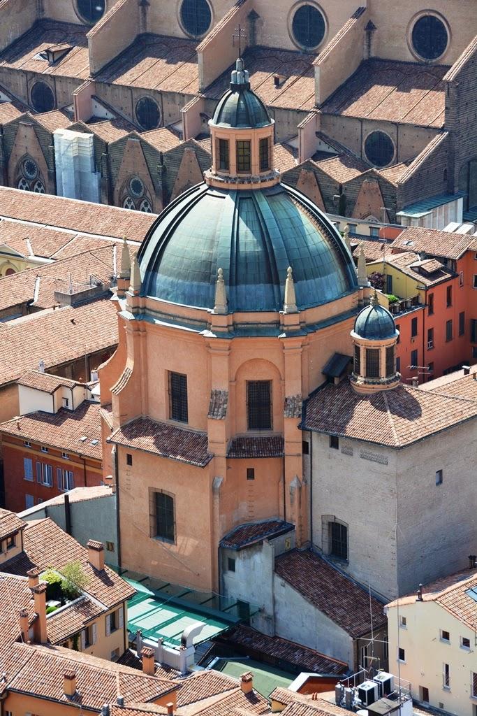 Asinelli Tower Bologna dome