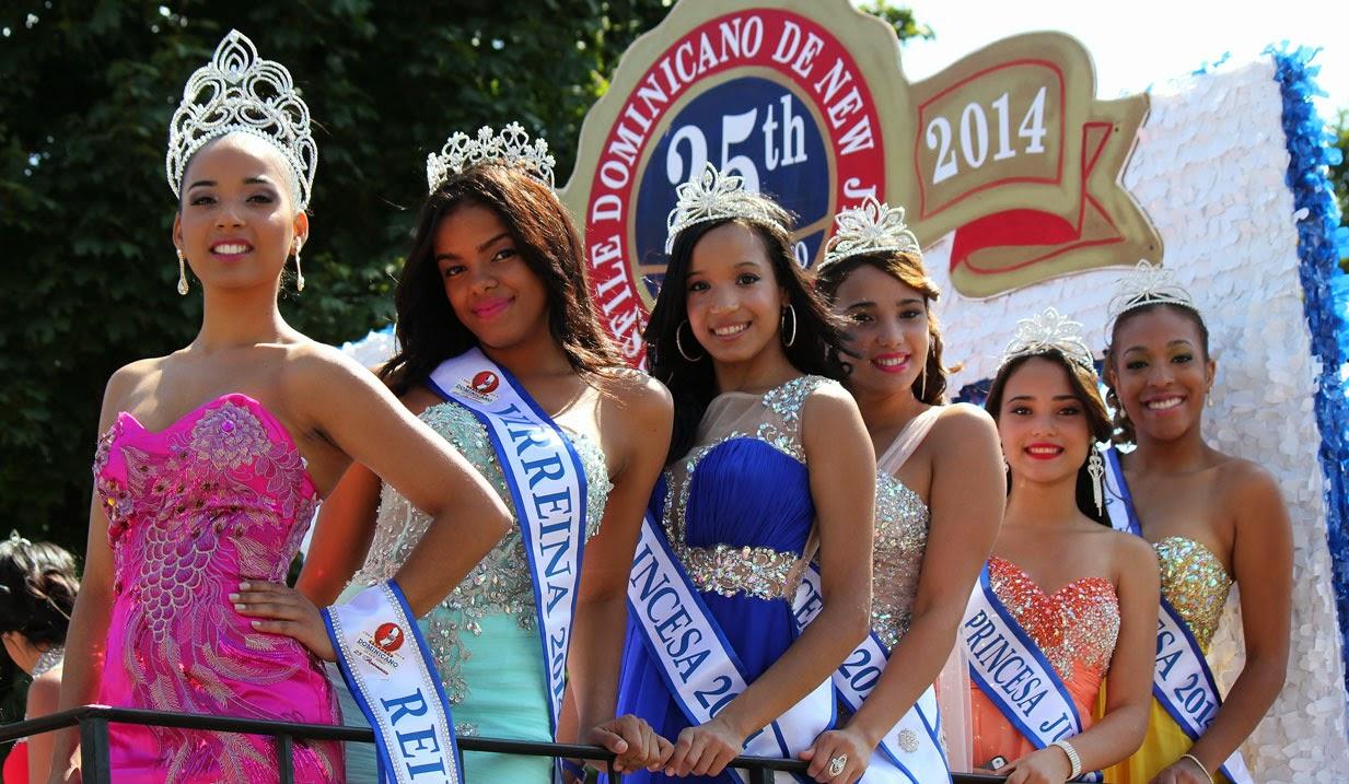 La Senorita reina Dharianny Valerio y a Cristal Mena como virreina del desfile dominicano de New Jersey