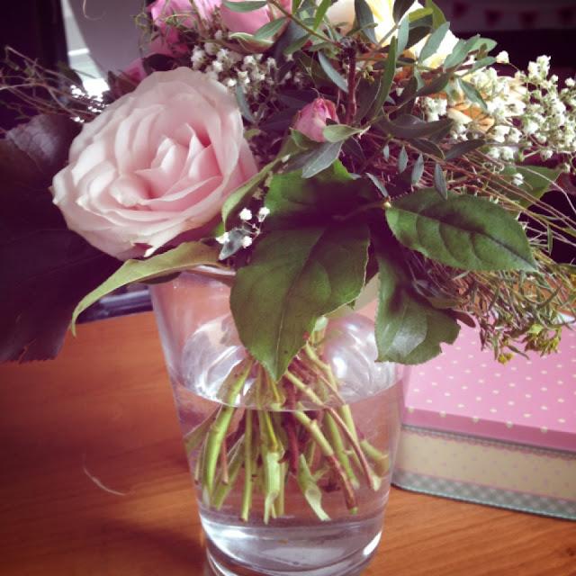 Ein Blumenstrauß für Fräulein Bergers Mama