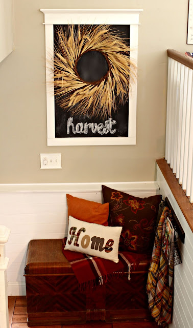 Front entryway in split level home with fall decor-www.goldenboysandme.com
