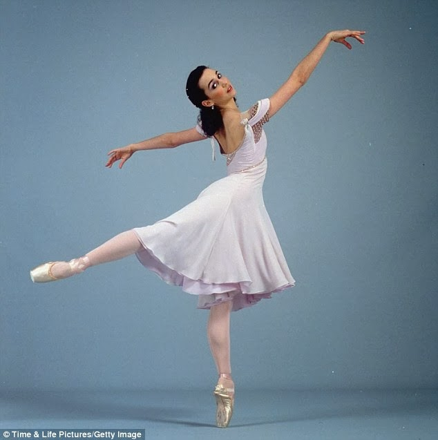 The 15-year-old overweight ballerina has become an Internet star 42