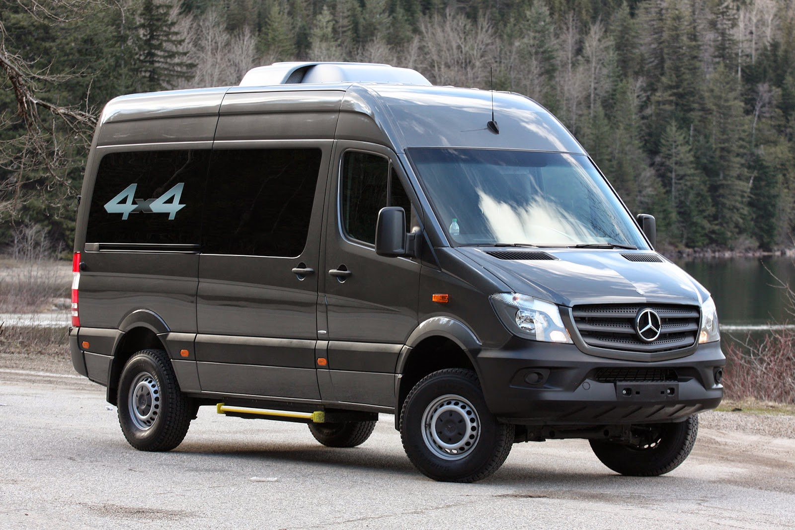automotiveblogz mercedes benz sprinter 4x4 first drive 2015. Black Bedroom Furniture Sets. Home Design Ideas