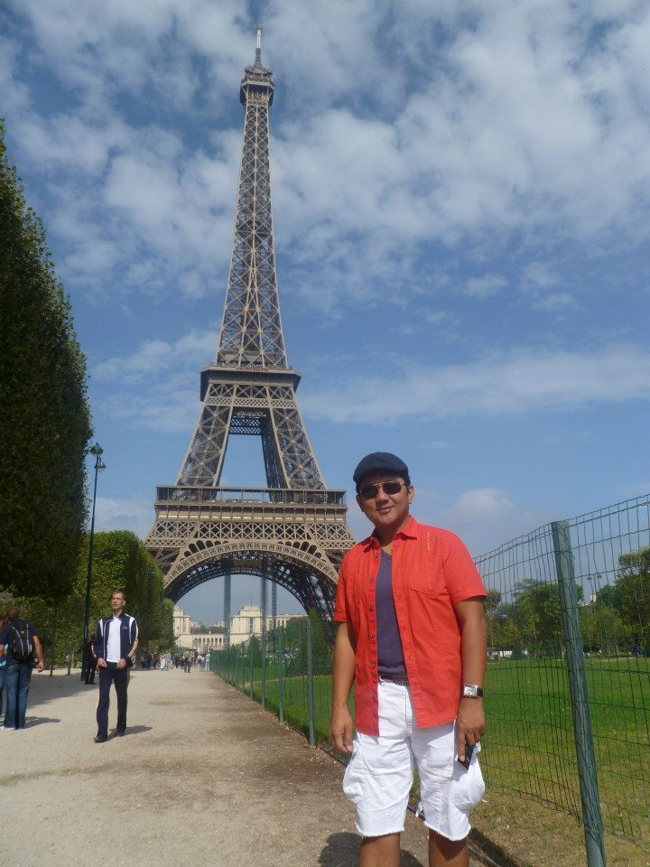 Paris France Eiffel Tower Adventure Wazzup Pilipinas
