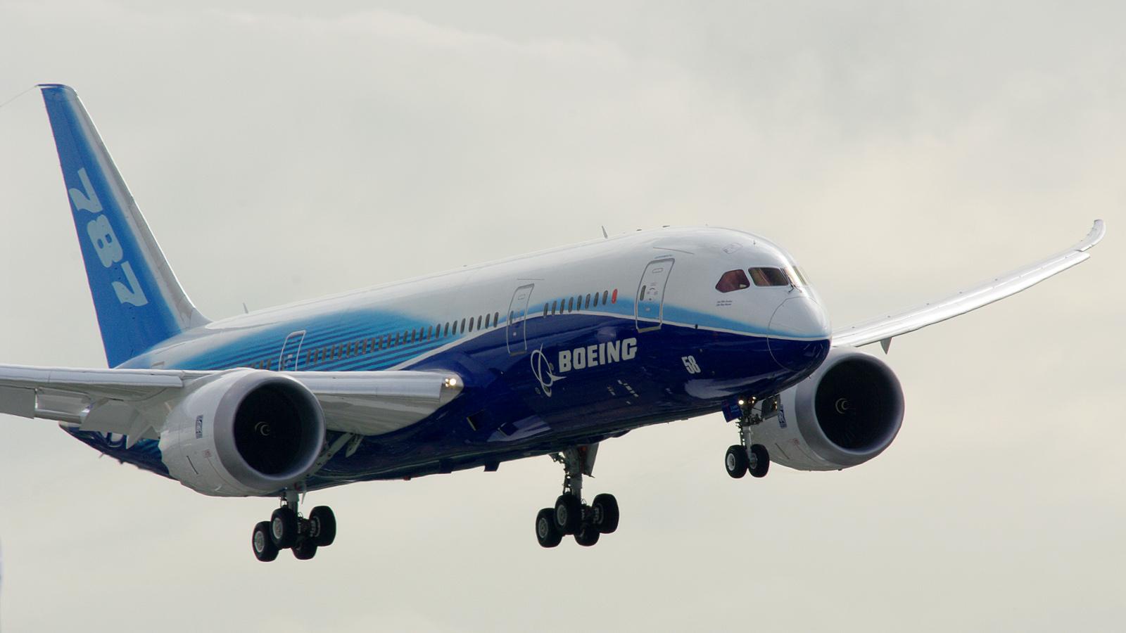http://2.bp.blogspot.com/-SBLDf98vNjo/UQHf_6y2OPI/AAAAAAAAOr4/jhOZ3U0RGUM/s1600/kenya_airways_boeing_787_dreamliner.jpg