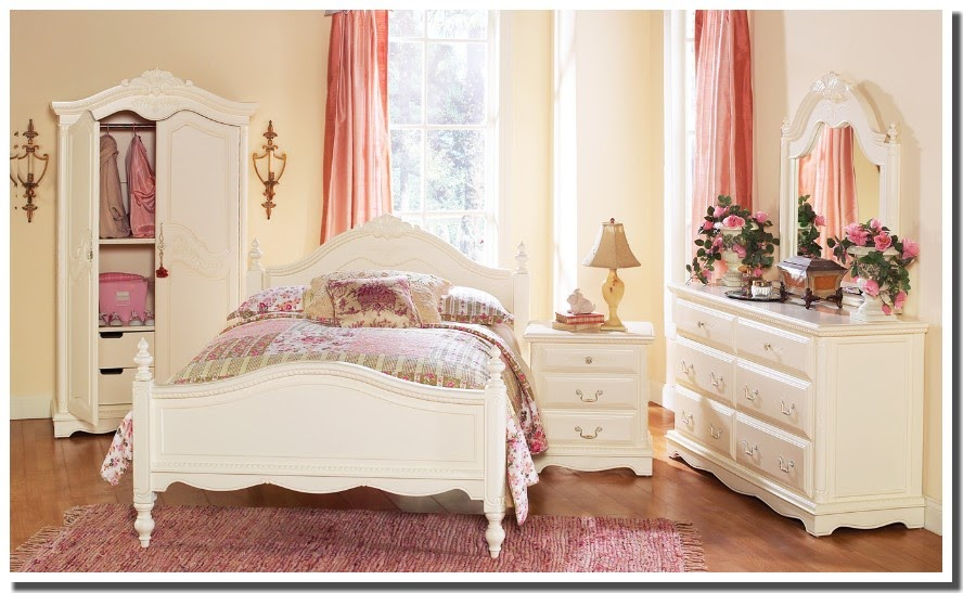 nassima home chambre traditionelle blanche et rose pour. Black Bedroom Furniture Sets. Home Design Ideas