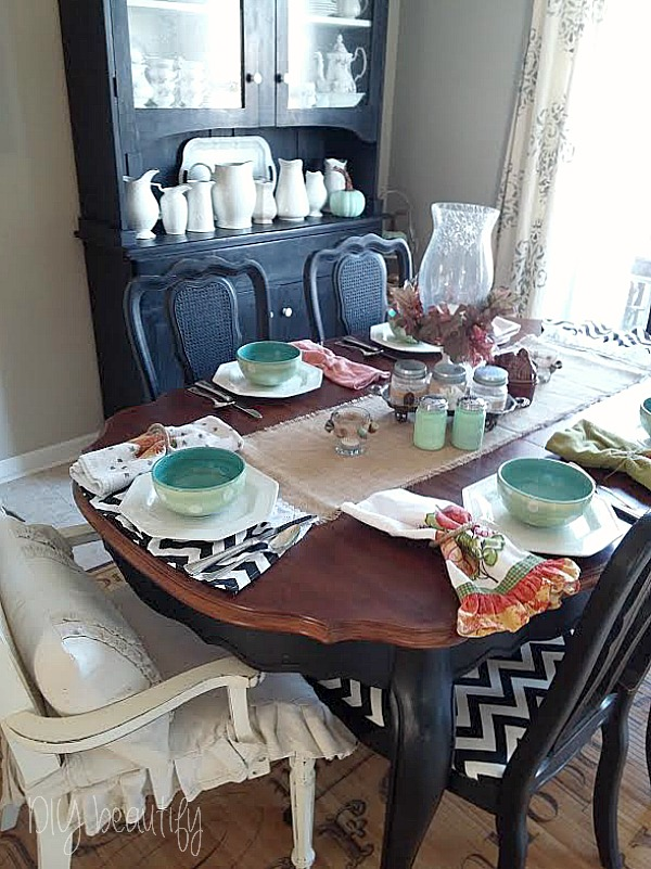 Thanksgiving table and acorn craft DIY beautify blog