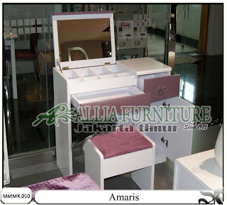 Meja make up minimalis modern Amaris