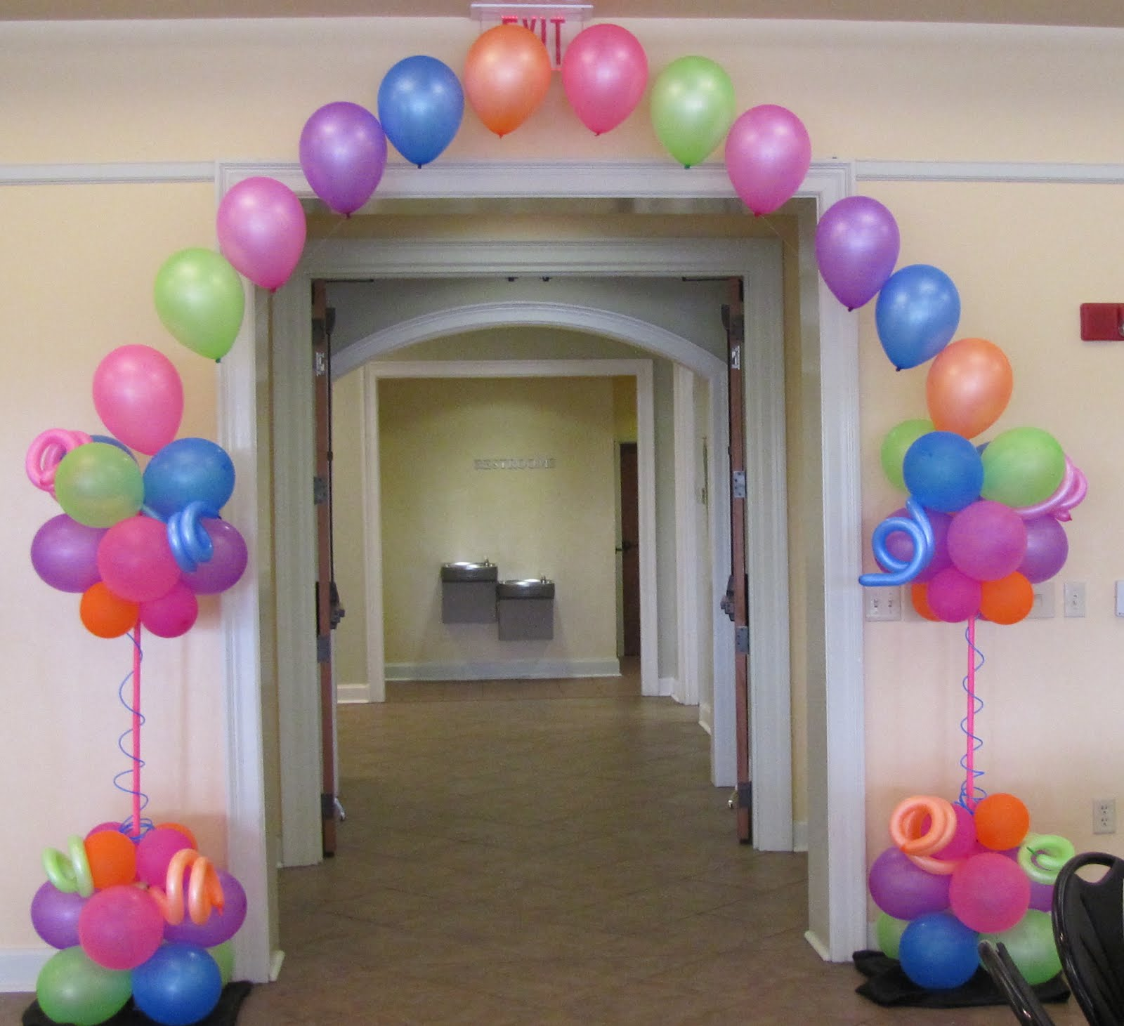 Party people event decorating company peggy brown for Balloon decoration ideas for sweet 16