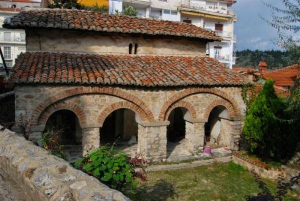 Σήμερα – Καστοριά: Χαιρετισμοί για τους εργαζομένους στον Ιερό Ναό των Αγίων Τριών