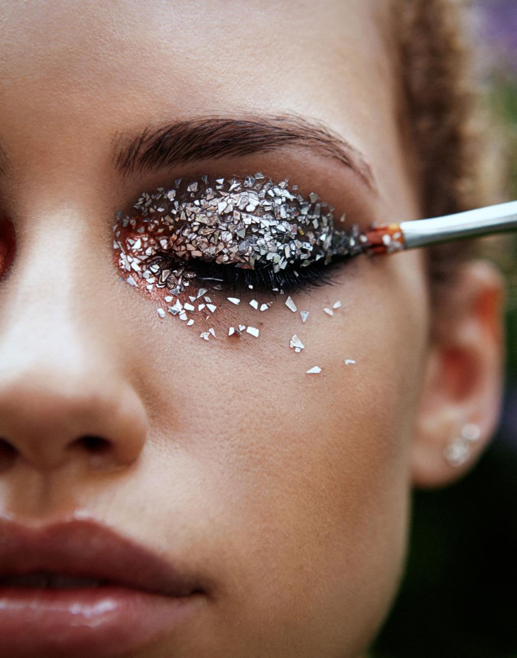 Как пользоваться глиттером для макияжа