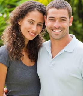 كيف تجبرين حبيبك او زوجك علي تلبية مطالبك  - حبيبان رجل امرأة رومانسية حب عشق علاقة عاطفية
