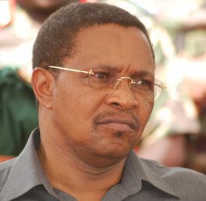 Kufungia gazeti: Ni woga, ubabe au ulimbukeni?
