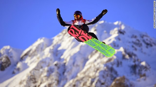Sochi 2014 winter olympic show boarding in mid air