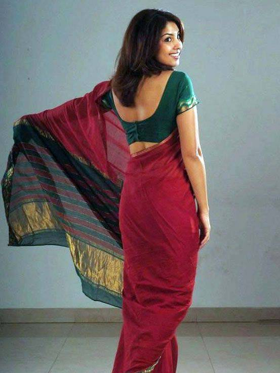 Richa Gangopadhyay in Red Saree1 - Richa Gangopadhyay Photo Shoot in red Saree Green Blouse