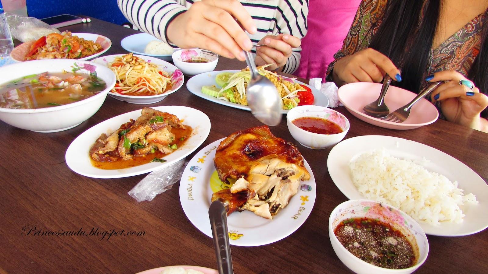 Bangkok, Thailand, travel Isaan Food Som Tam (Papaya Salad), Khao Man Gai (Barbecued Chicken and Rice), Tom Seap Talay (Sour Seafood Soup)