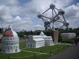 Reproducción de El Atomium, Parque Europa